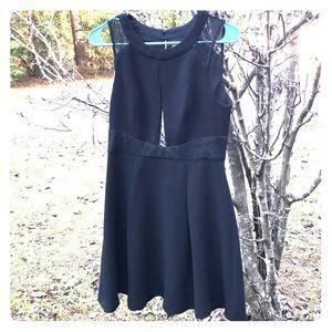 BCBG BLACK DRESS SIZE 4